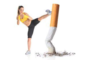nawyki stylu życia, aby mieć długie i zdrowe życie.  Kilku badaczy okazało się, że wzrost masy ciała po rzuceniu palenia w rzeczywistości nie jest to konsekwencją zwiększonego uczucia apetytu, jak to się powszechnie uważa, a z powodu zmiany składu flory jelitowej po rzuceniu palenia. Zgodnie z obecnymi trendami, około 80 procent osób, które rzuciły palenie, średnio waży 7 kilo więcej. Co jeszcze bardziej zaskakujące, to to, że ich poziom kalorii pozostaje bez zmian lub może, w rzeczywistości, spaść w porównaniu z poziomem, zanim rzucić palenie. Więc, co w rzeczywistości powoduje wzrost masy ciała? Nauczmy się  Zmieniony skład bakteryjny różnorodności jelit